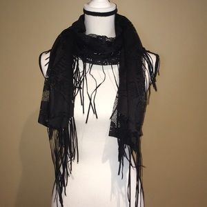 Accessories - Lace Scarf with Skulls